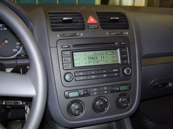 Jeep Sub :: VW Golf V Original Radio - VW Golf V - Sub-Two ...